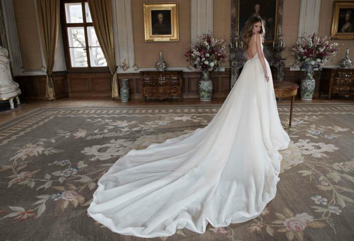 Hochzeitskleider von Berta Bridal- gegenwärtige Brautmode