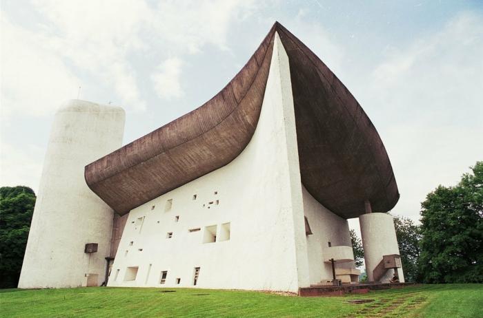 Le Corbusier chapel de notrdame france 1955
