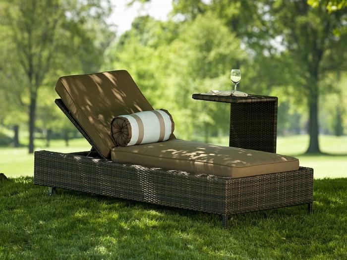 Liegestuhl in der natur