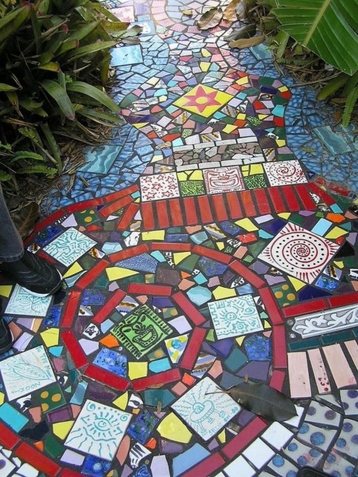 Mosaik selber machen gartenweg mosaiksteine