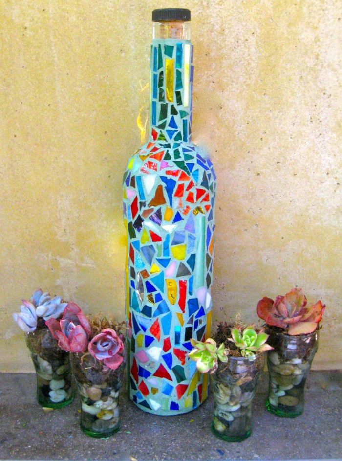 Mosaik selber machen gartenwege flasche Mosaiksteine