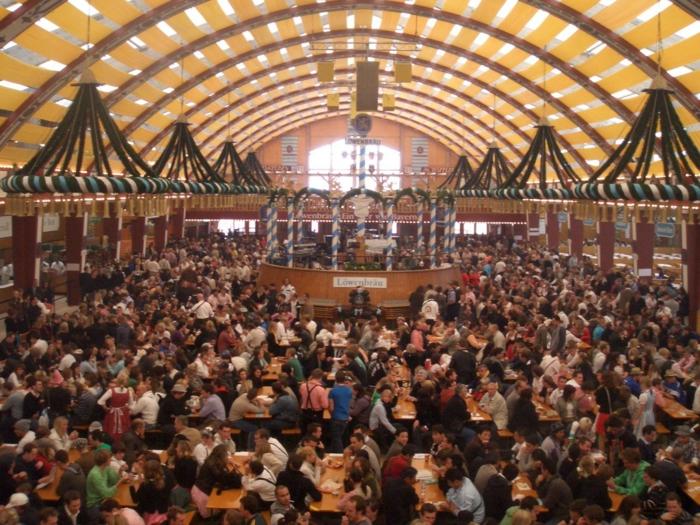 Oktoberfest München großesfestzelt