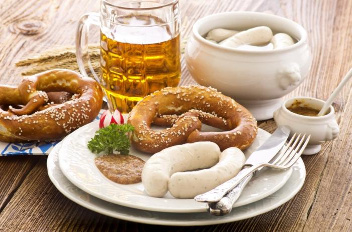 Oktoberfest München weisswurrst mit süßen senf