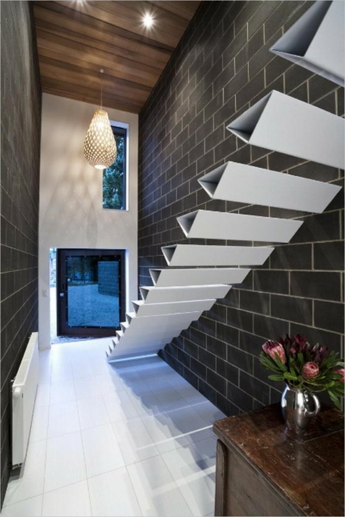 Schwebende Treppe weiß