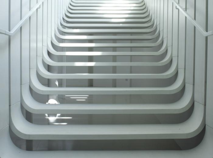 Schwebende Treppe weisse weiche