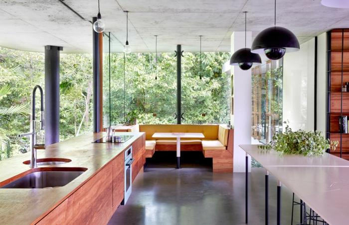 traumhaus planchonella steht mitten im tropischen regenwald