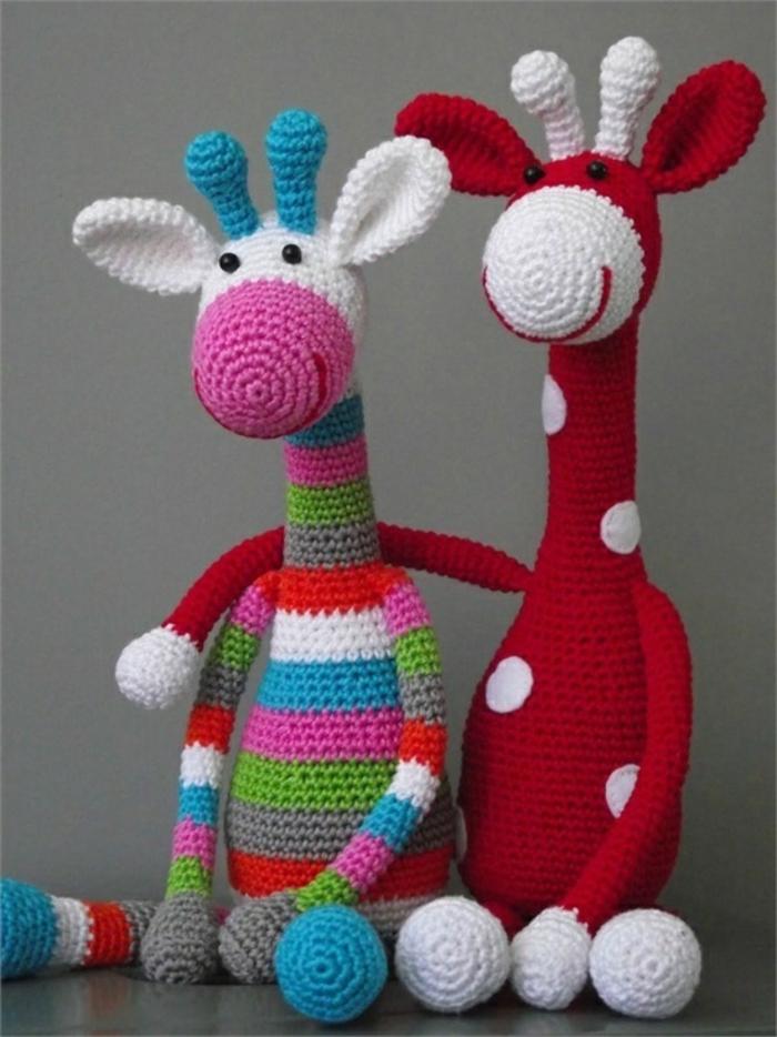 amigurumi häkeln farbige giraffen basteln