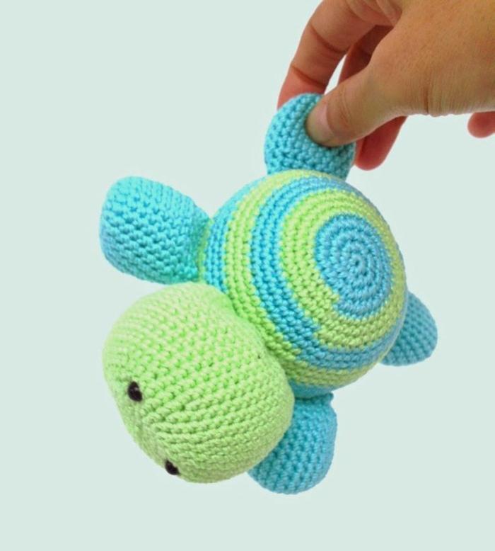 amigurumi häkeln schöne schildkröte grün blau