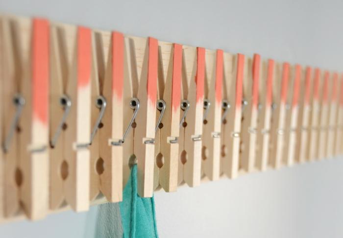 ausgefallene ideen wandgarderobe wäscheklammer