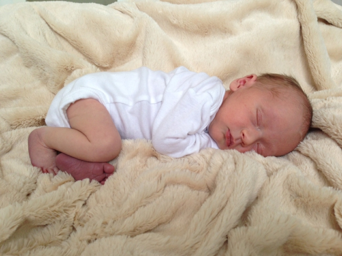 baby kuscheldecke schlafend flies weich