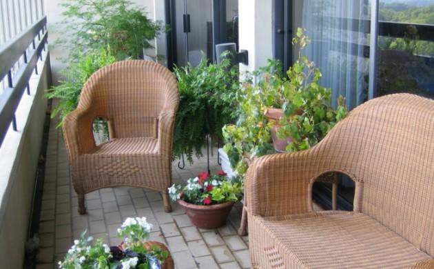balkon-deko-ideen-balkonmöbel-balkonpflanzen-dekoideen