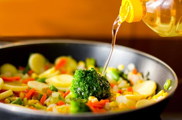 chronische magenschmerzen magenbeschwerden kochen mit wenig fett