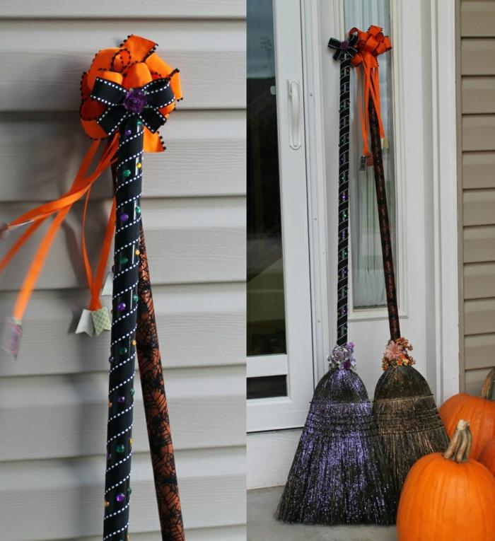deko halloween ideen eingang besen kürbisse