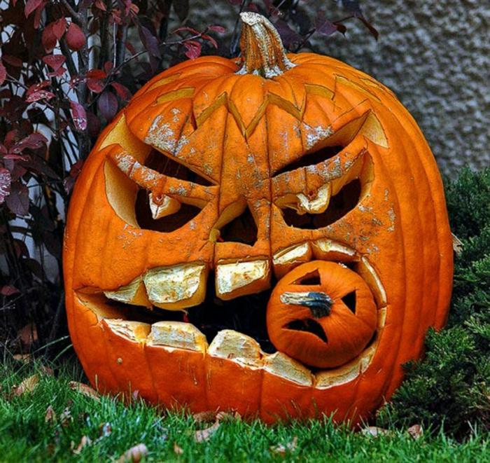 deko halloween kürbisse bemalen gruselig