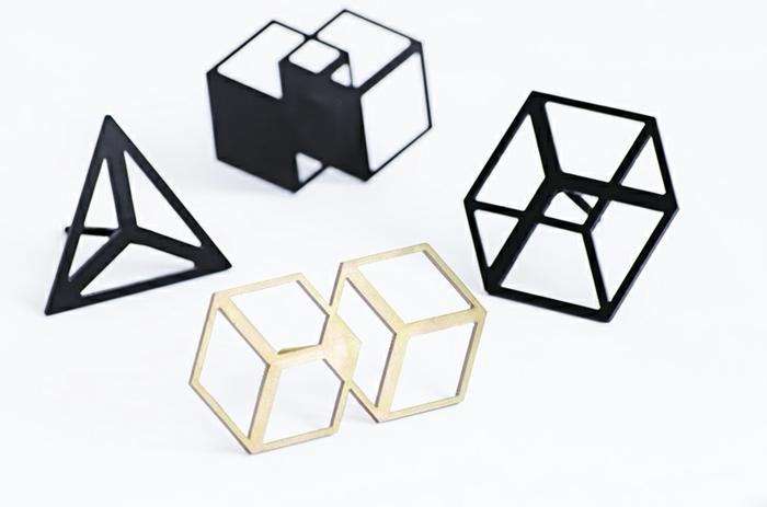 moderne garderobenhaken vom spanischen designer octavio asensio. Black Bedroom Furniture Sets. Home Design Ideas
