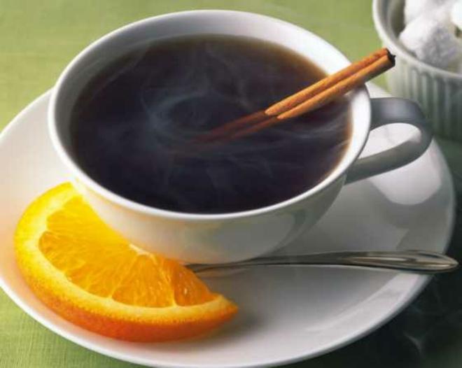 eine tasse kaffee trinken Kaffeespezialitäten in jamaika kaffe mode