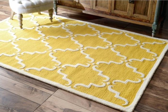 Gelber Teppich für eine frische und strahlende