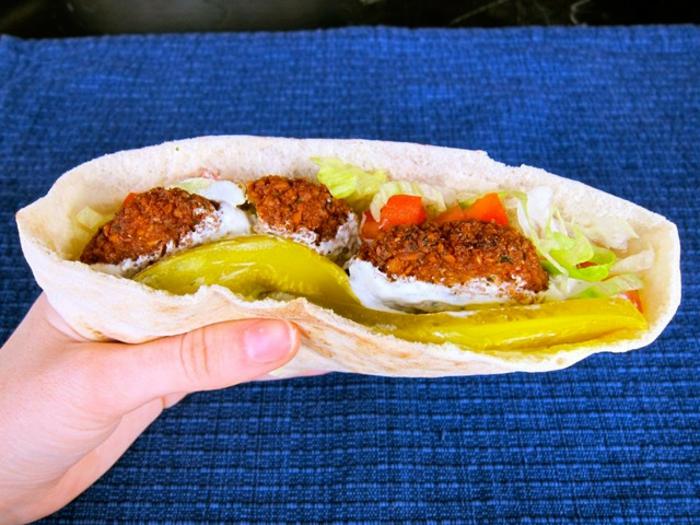 falafel rezept gesund dünnes brot salat