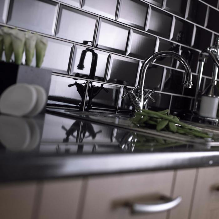 fliesenfarbe küche schwarze wandfliesen wohnideen