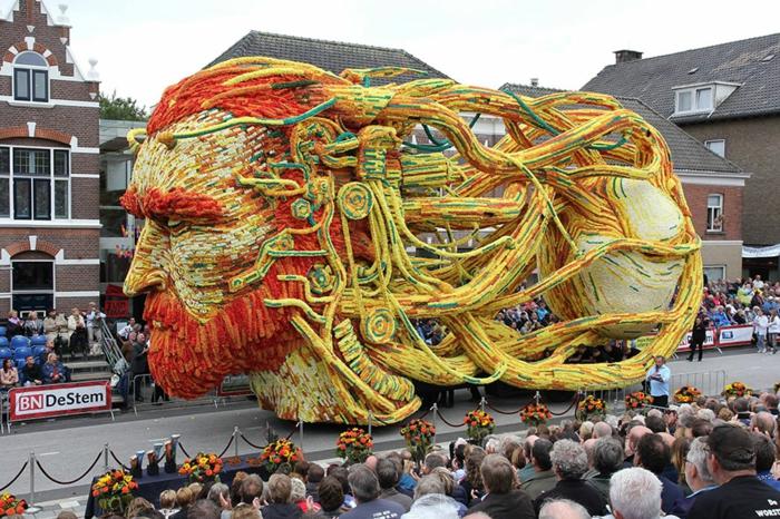 garten skulpturen photo werner pellis blumenfestival Bloemencorso Zundert