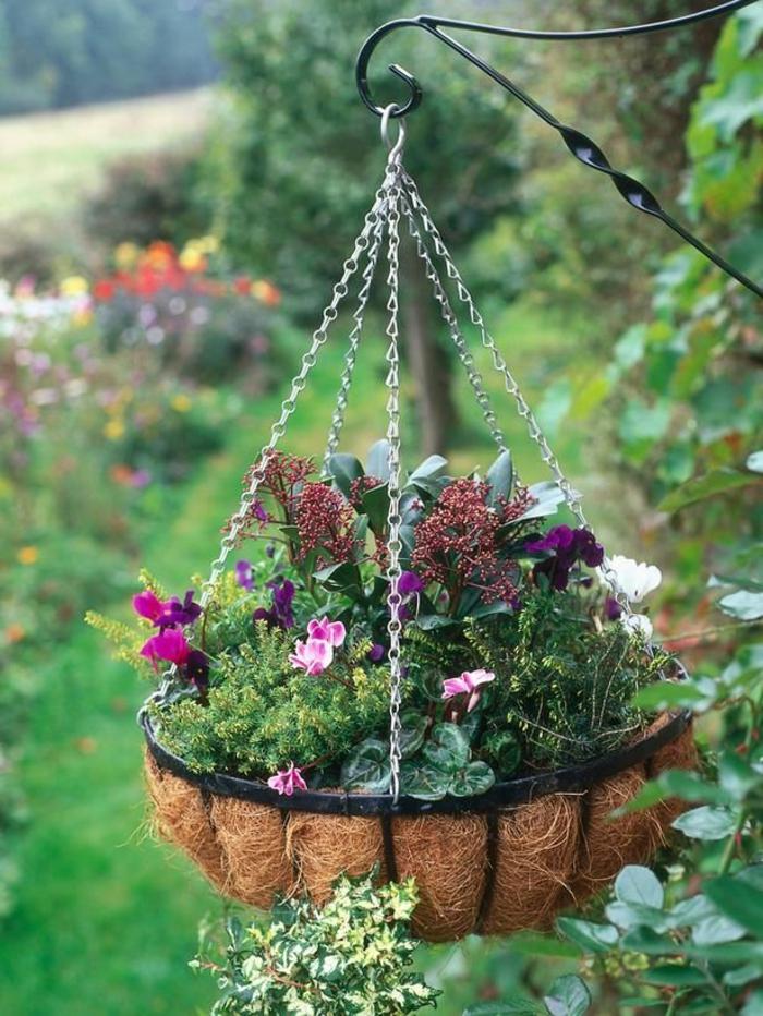gartengestaltung mit topf pflanzen hängepflanzen