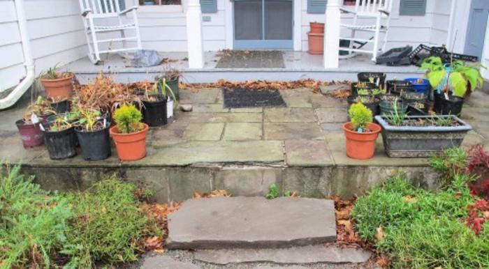 gartengestaltung mit topf pflanzen im winter aufheben