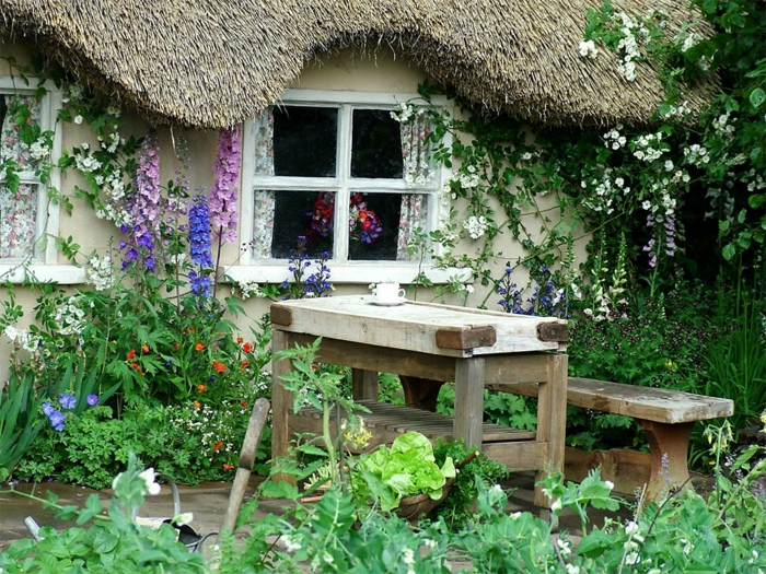 Rustikale gartenm bel haben charme und eine nat rliche for Gartengestaltung rustikal