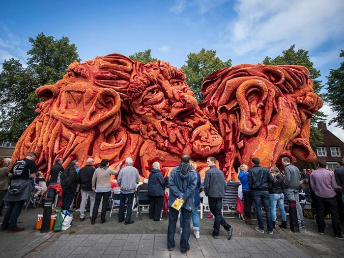 gartenskulpturen Bloemencorso Zundert blumenfigur dahlien