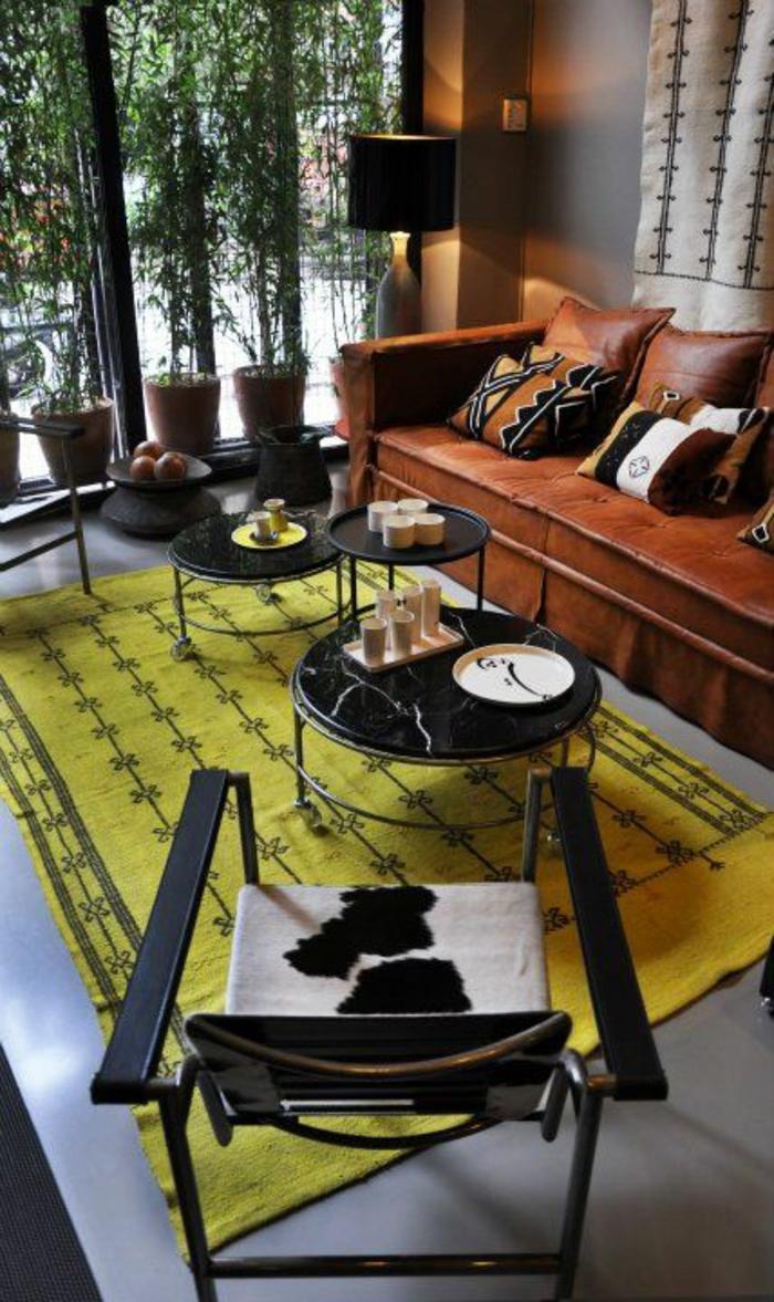 gelber teppich innendesign tipps bodenbelag wohnzimmer einrichtung