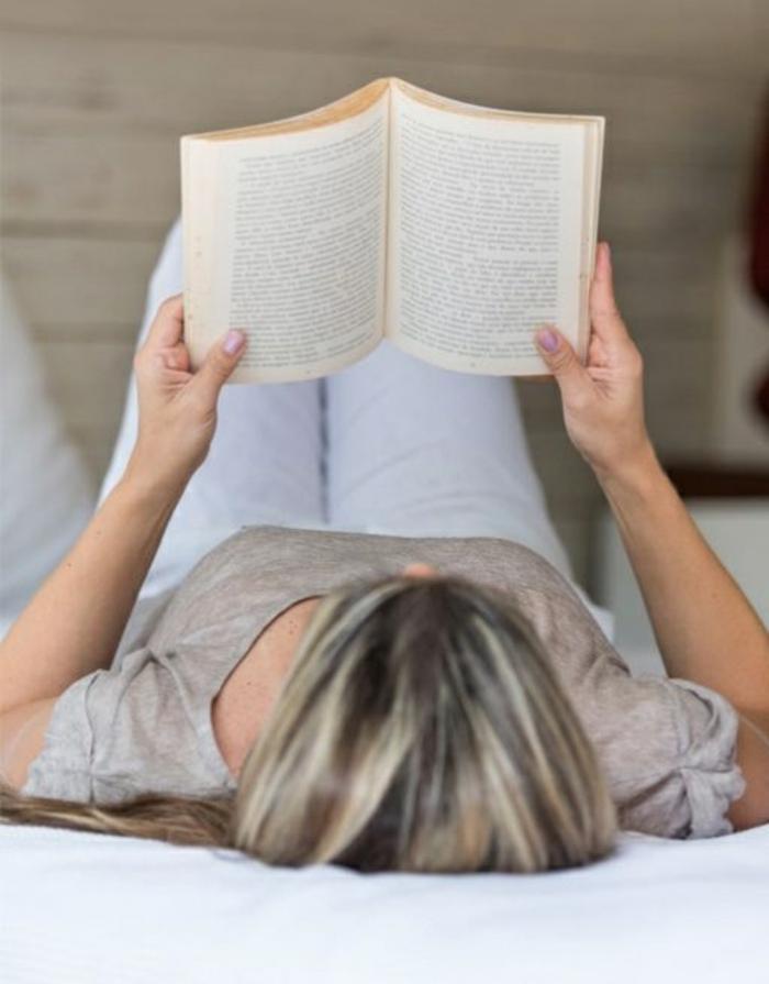 gesunder lebensstil buch lesen entspannung zu hause