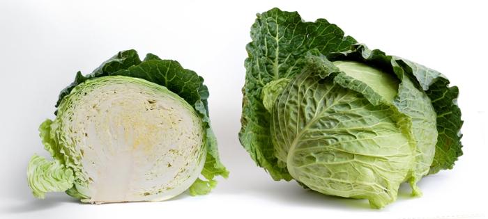 grünes gemüse weißkohl essen herbst gesund vitaminreich