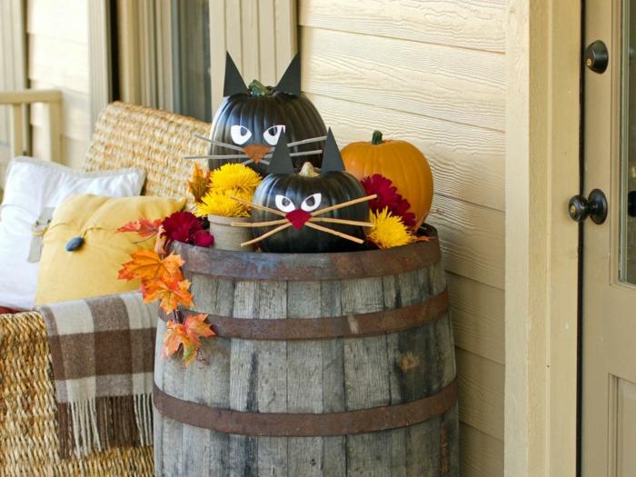 halloween deko diy schwarze katzen kürbisse