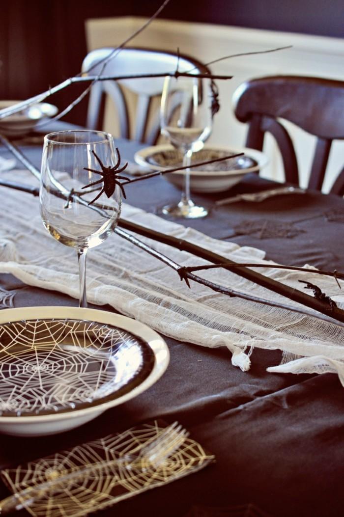 halloween deko passende ideen mit spinnennetzen
