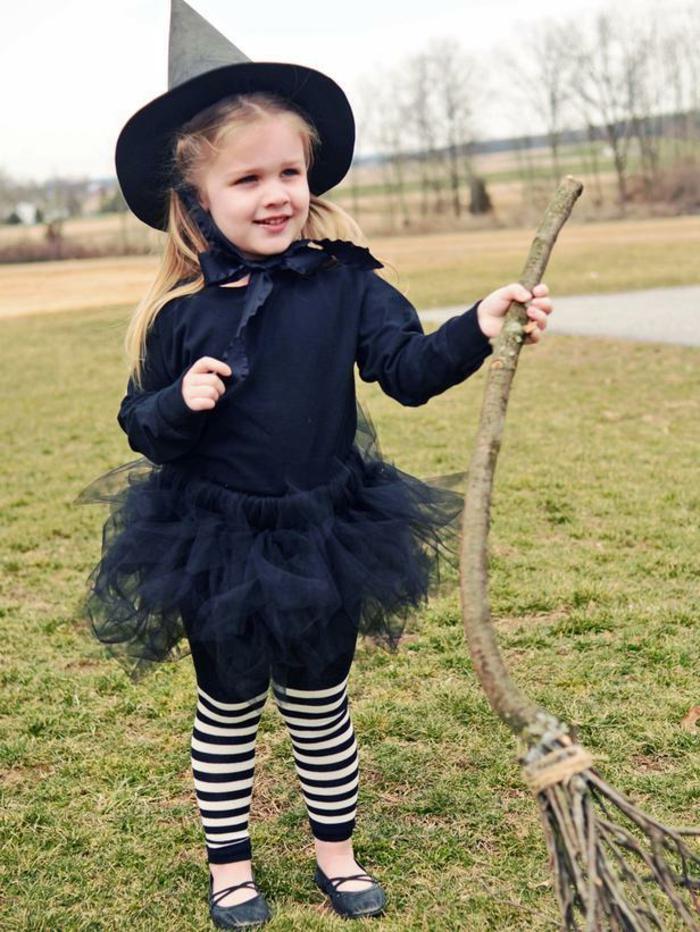 halloween kostüm ideen kleine kinder mädchen hexe