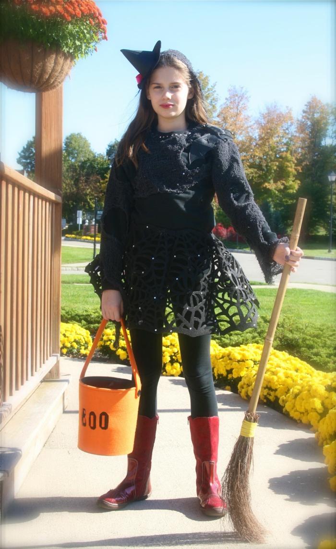 halloween kostüm mädchen hexe schminke besen