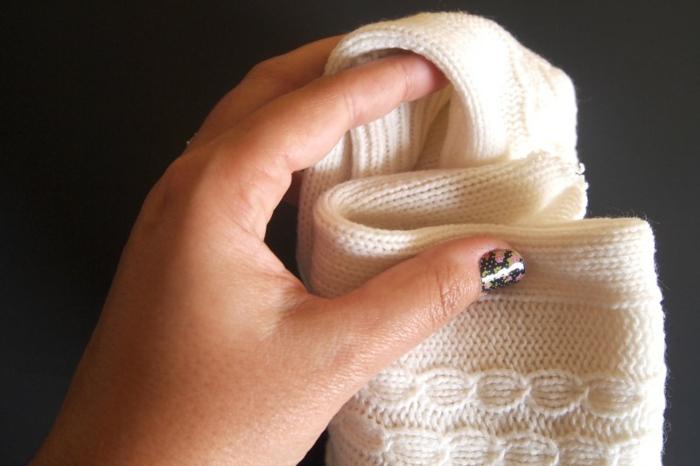 herbstdeko selber machen gestrickter pulli basteln