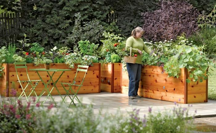hochbeet garten gestalten pflanzen grüne gartenmöbel