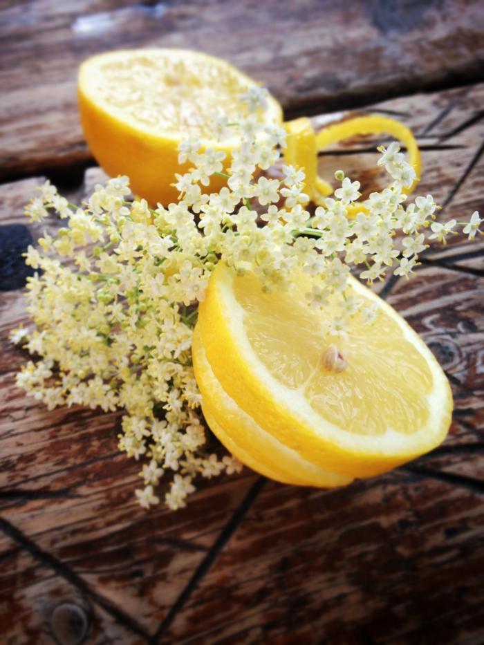 holunderblütensirup frisch gepflückt zitrone vitamine