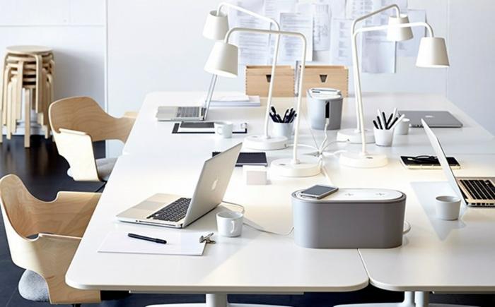 ikea büroeinrichtung kabellose aufladegeräte schreibtischlampen