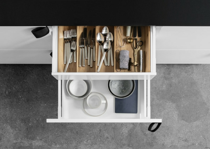 ikea-küchenmöbel-einrichtungsideen-küchenchrank-schublade-küchenutensilien