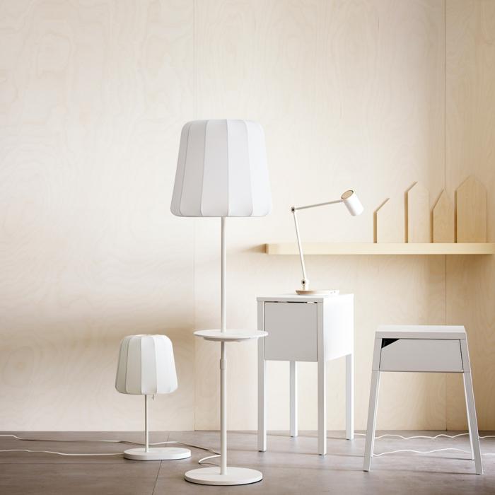 Ikea Wohnzimmermöbel laden Ihre Smart-Geräte auf