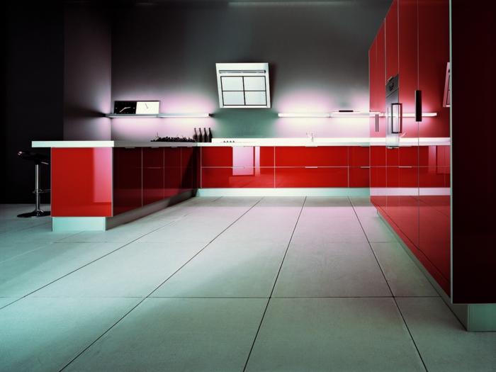 indirekte beleuchtung ideen küche rote küchenmöbel
