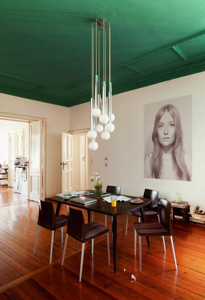 innendesign ideen esszimmer grüne decke pendelleuchten