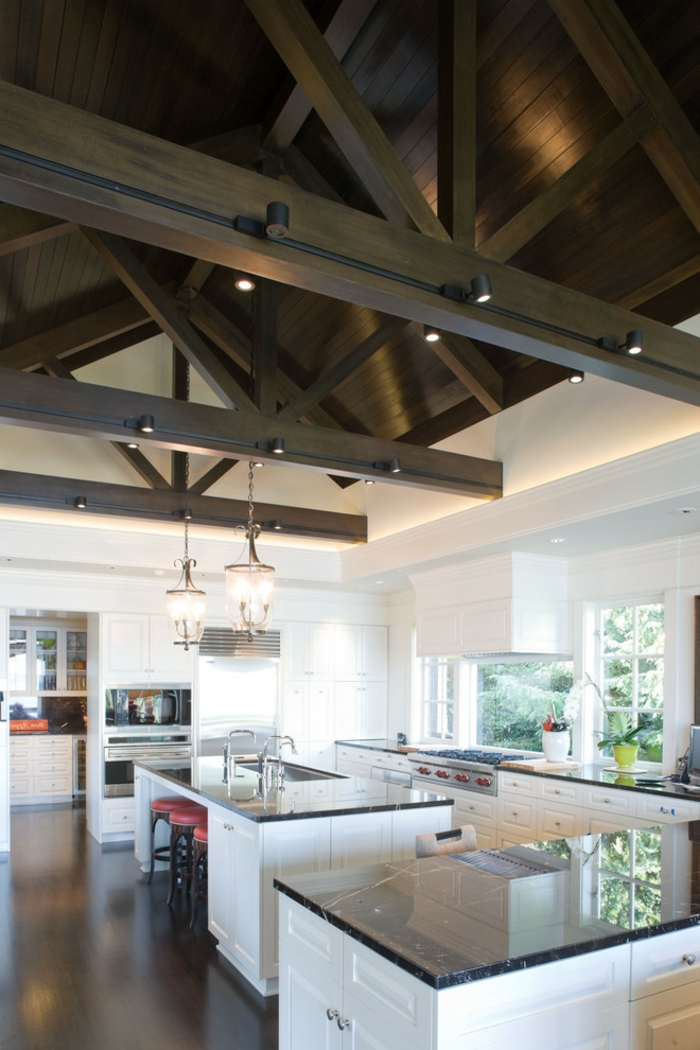 innendesign ideen küche weiße wände dunkler boden