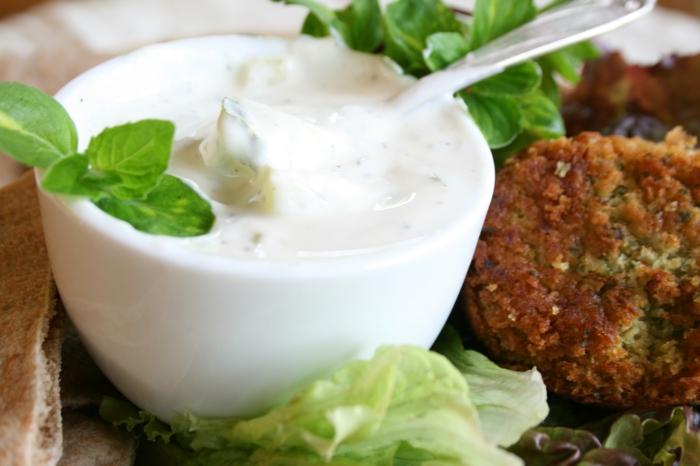 ist joghurt gesund naturjoghurt joghurtsouce mit gewürzen