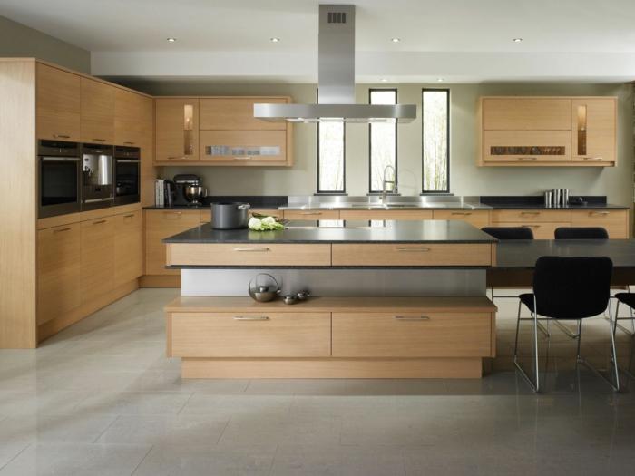küchendesign ideen hölzerne texturen deckenbeleuchtung neutrale schattierungen