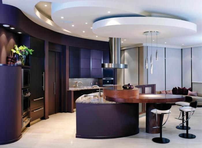 küchendesign ideen lila akzente deckenleuchten offener wohnplan
