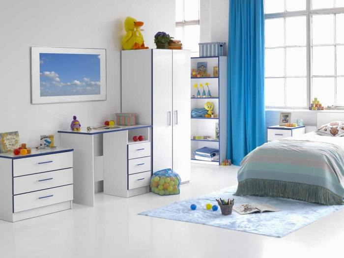 kinderzimmer ideen weiße wandfarbe lange blaue gardinen weiße möbel