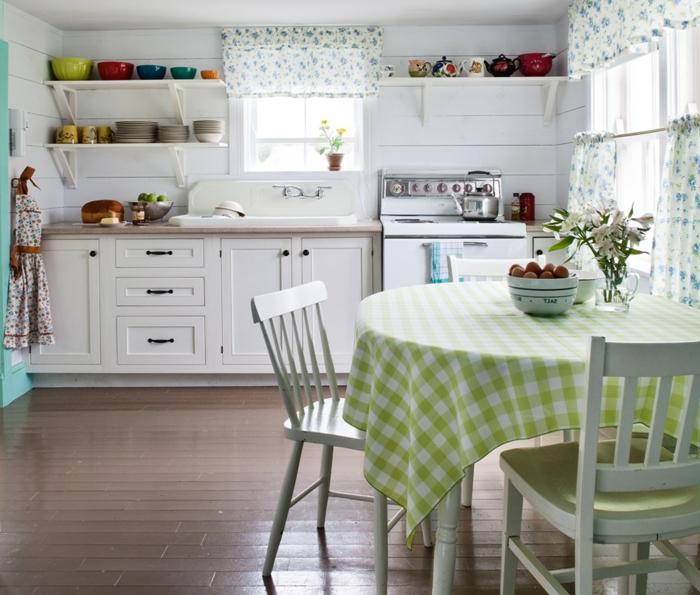 landhausstil möbel küche einrichten weiße küchenschränke esstisch offene regale