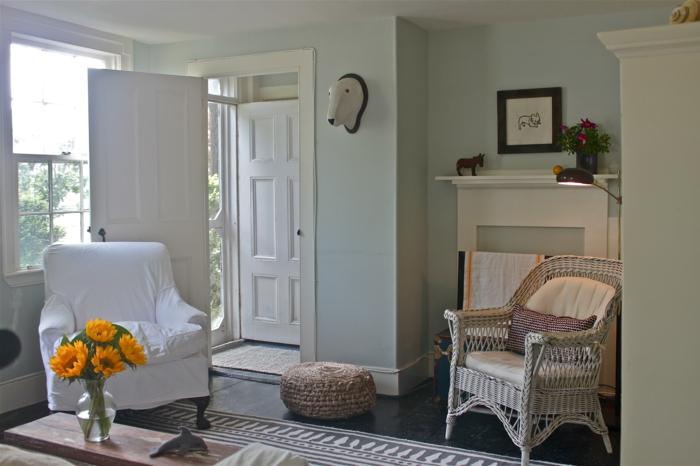 landhausstil möbel wohnzimmer hocker teppich